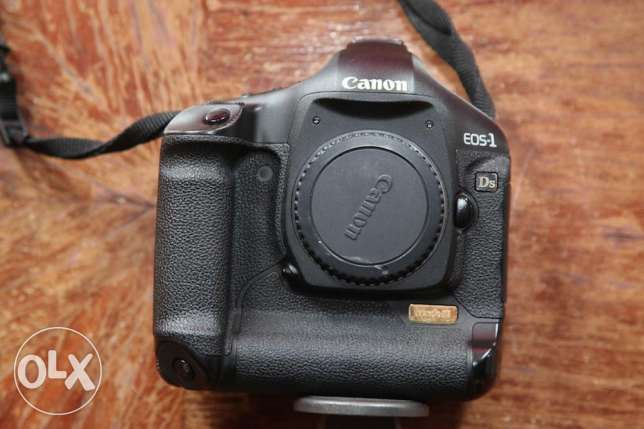 Canon 1DS Mark III Body only