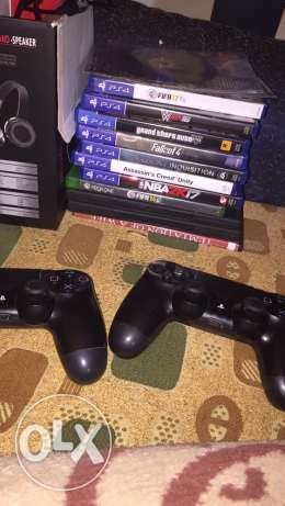 ps4 with 7 cds and 2 controllers for trade on xbox one