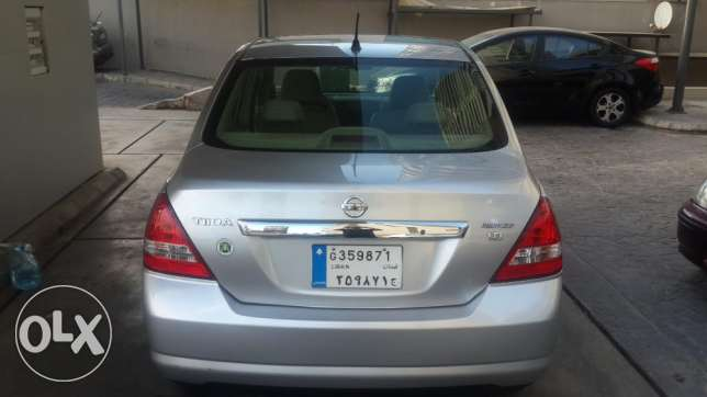 Top Car CRV EX 2005--Sunroof- 4 Wheel راس  بيروت -  4