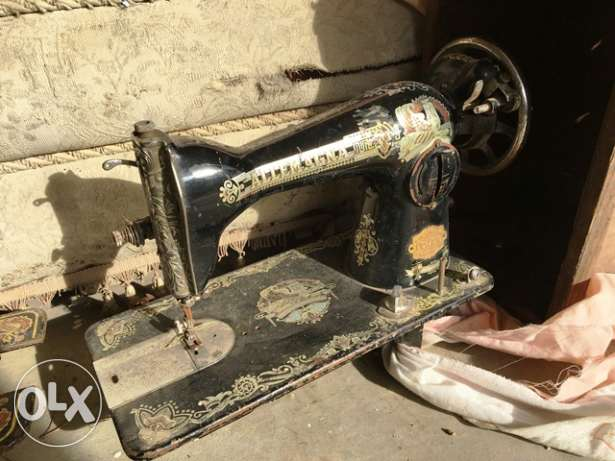 old sewing machines for display only sold as is $ 25 each