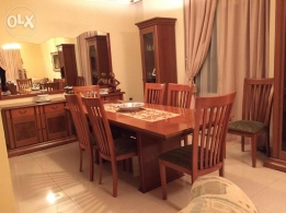 Dinner table +7chairs+2standingclosets+big drawer closet