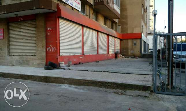 5 stores for rent in dekwaneh
