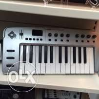 M-Audio O2 MObile USB midi Controller new without box plus sustain