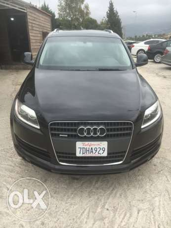 Audi Q7 premium plus package (Clean Carfax)