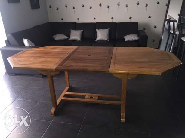 Outdoor wooden table with 8 chairs excellent condition