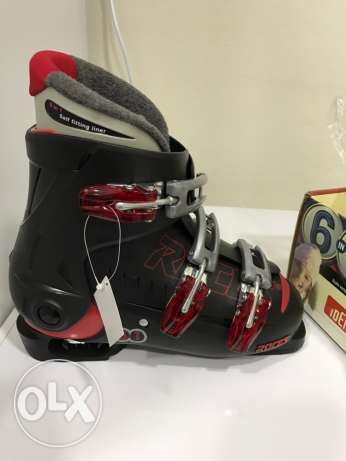 Roces ski boots never used
