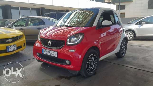 SMART for 2//2016 full Vitesse / Red on White still as new no accident