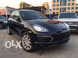Porsche Cayenne S 2011 Black Fully Loaded in Excellent Condition!