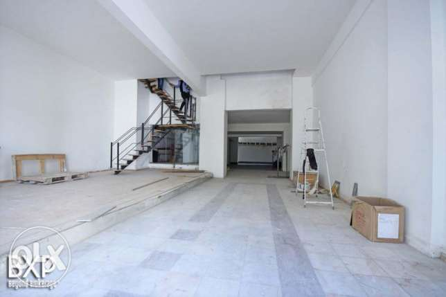 584 SQM Showroom For Rent in Beirut, Clemenceau RE5646