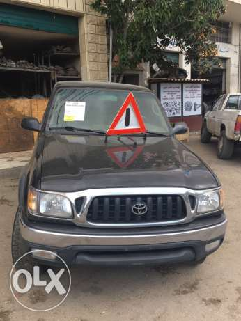 Toyota Tacoma 2002 4 cylinder 2.7 automatic 4x4اجنبي