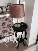 Side rounded table with lampadaire