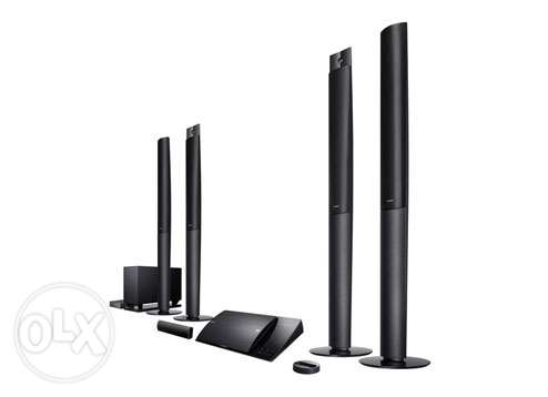 Sony 5.1Ch Bluray 3D Wireless Home Theater 1000W + 2 glasses