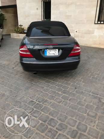 Clk 320 convertible 2004 in a v good condition بلونة -  4