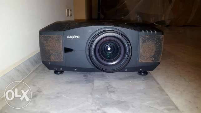 Video Projector Sanyo PLC-XF46N For rent