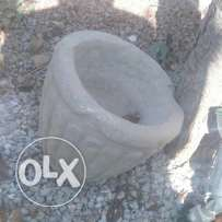جرن صخري قديم old stone mortar