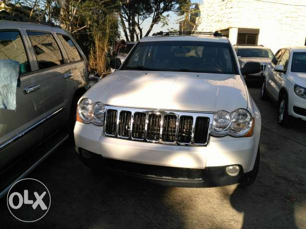 jeep grand chirockee 2008 _8 cylinder 4'7 clean carfax عاليه -  2