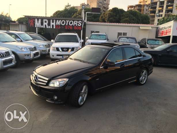 Mercedes C200 CGI 2010 Black/Black AMG Kit Panoramic Like New! بوشرية -  3