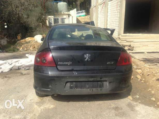 Peugeot 407 model 2008 3amle accident lal kasr. Ankad