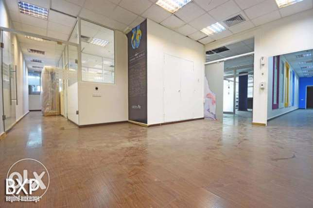 1000 SQM Office in Sin El-Fil,OF5945.