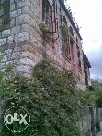 a 140 years house for sale at naher el kalb ذوق مصبح -  2