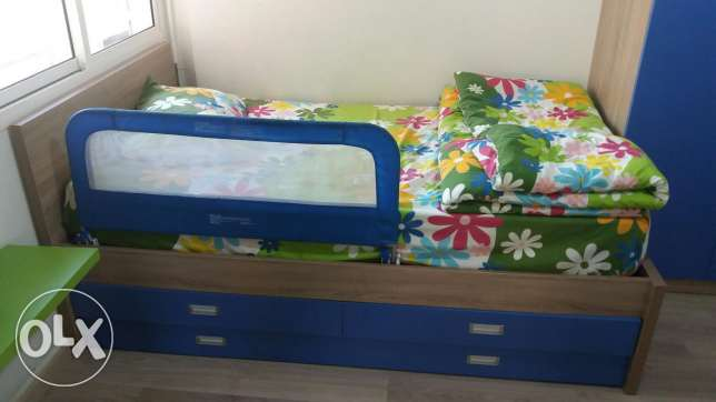 Kids room with 2 beds