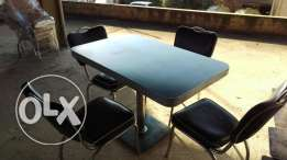 Outdoor/indoor chair and table