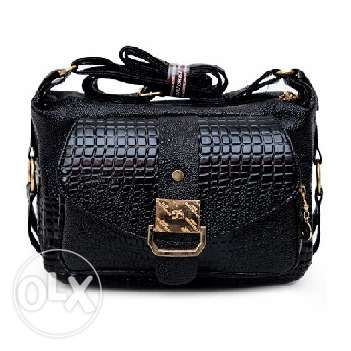 High quality crocodile style leather handbag (Free delivery)