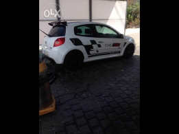reunault clio model 2009 white color for sale