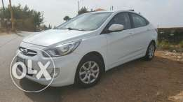 Hyundai Accent 2013 White - Clean, dealership maintenance, 67000Km