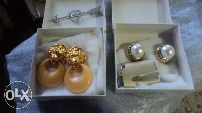 Earings and broche