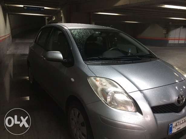 Toyota yaris hatchback 2009, mint condition المتن -  4