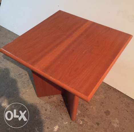 wooden center table 60x60 قشر سنديان
