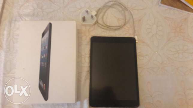 ipad mini like new + original charger + box