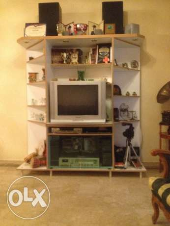 Vitrine with tv for sale بعبدا -  1