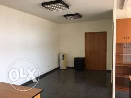 Ref (PE1.O.21), 100 m2 equipped & furnished office for rent in Dora