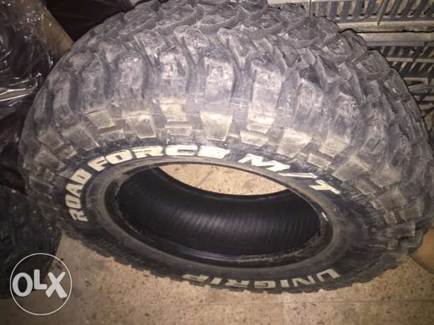 4 new tires used 2 weeks onlyy 235/75 15 tab5et 11_2016