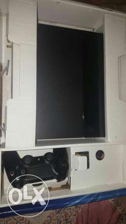 Playstation 4 for sale 500gb with all accessories