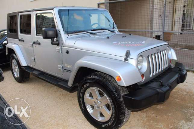 clean carfax 4WD model2008 wrangler sahara DF lock ajnabi new tires