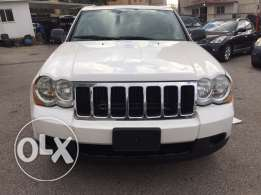 2008 - Grand Cherokii - 13800$ (Black leather)