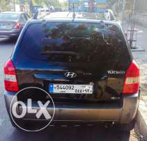 Hyundai Tucson 2009 -Black- Full Option - 4WD - 4 cylinder - $ 9,000