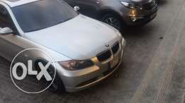 BMW 325i 2006 very clean