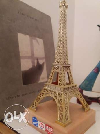 Eifel tower.From Pariswith love.
