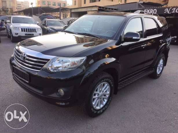 2012 Fortuner 2.7L 4x4 in perfect condition !