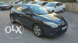 Renault Megane 2011 black full option with Sensors,Rims,Key less entry