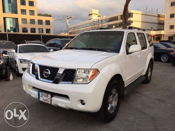 Nissan Pathfinder 2005 White in Excellent Condition! بوشرية -  3