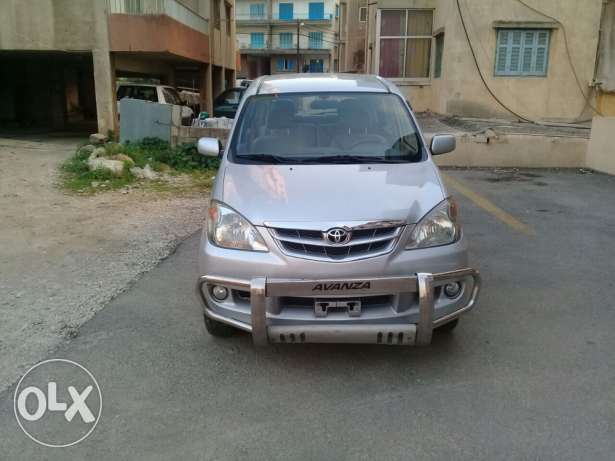 Toyota Avanza full options, airbags, alarm, remote control,