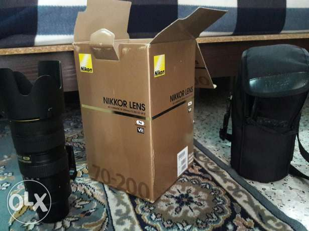 bren new nikon lense 70-200 f2.8g ed vr ii used for 2 month self use