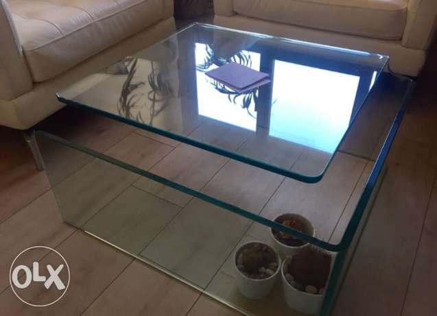 glass table - perfect condition