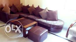 Living room + pouffe + table