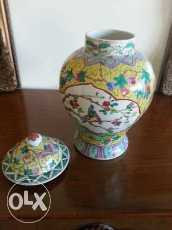 Vase with pattern